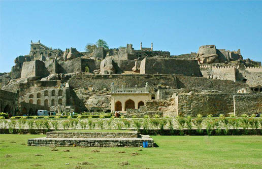 essay on golconda fort in telugu