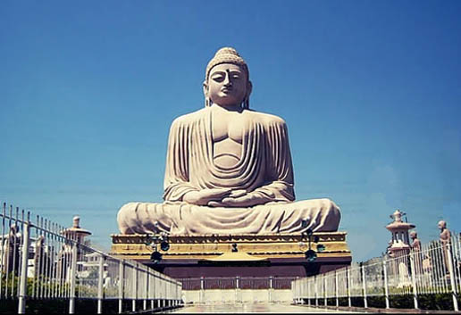 great buddha statue in bodh gaya