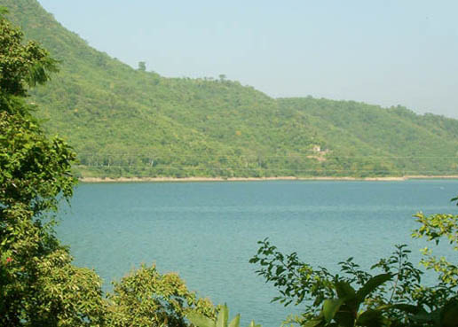 chandigarh city lake